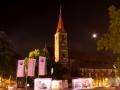 Kirche BMW-Fahne